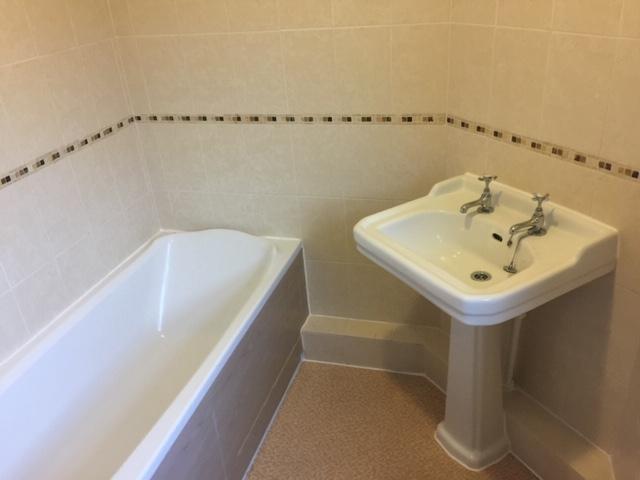 Bathroom - Pic B