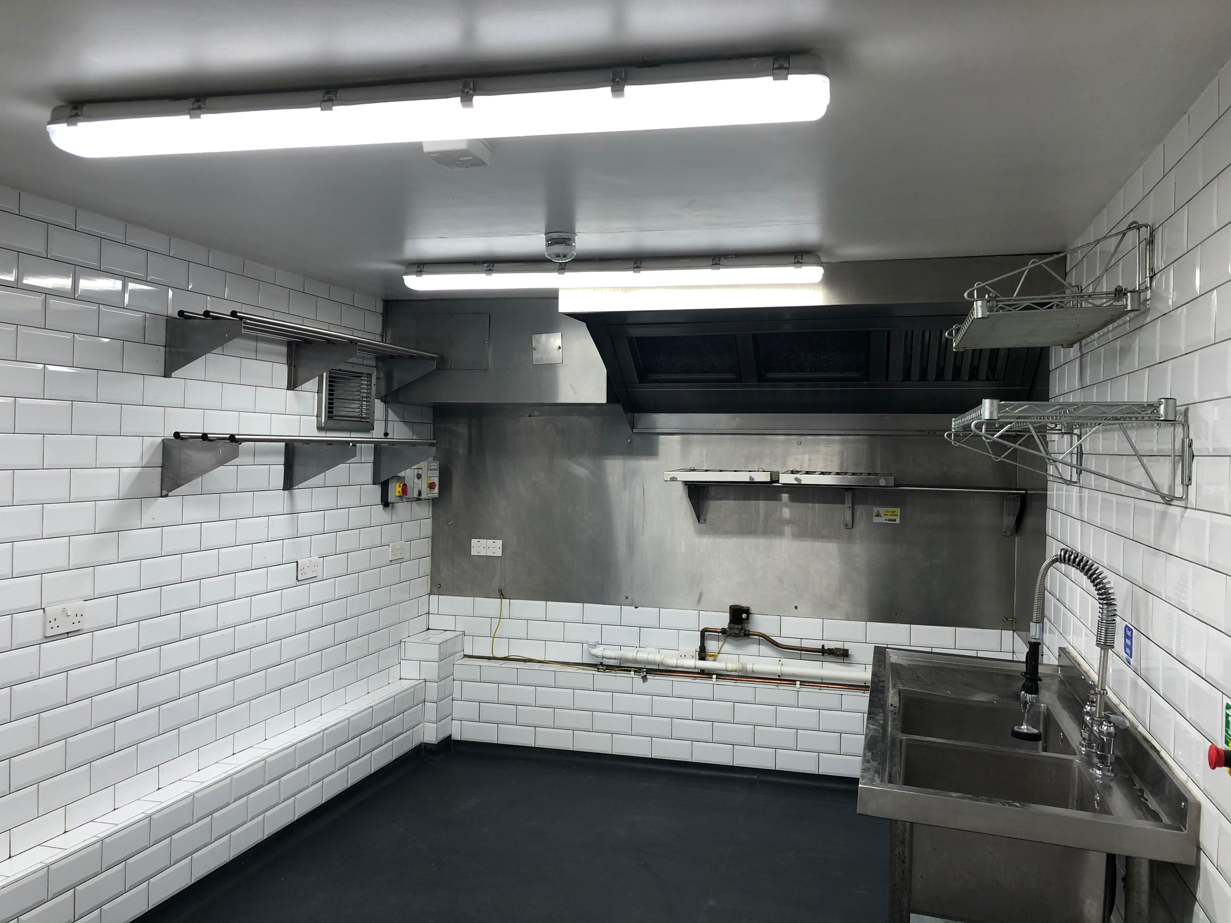 Main Kitchen Pic B