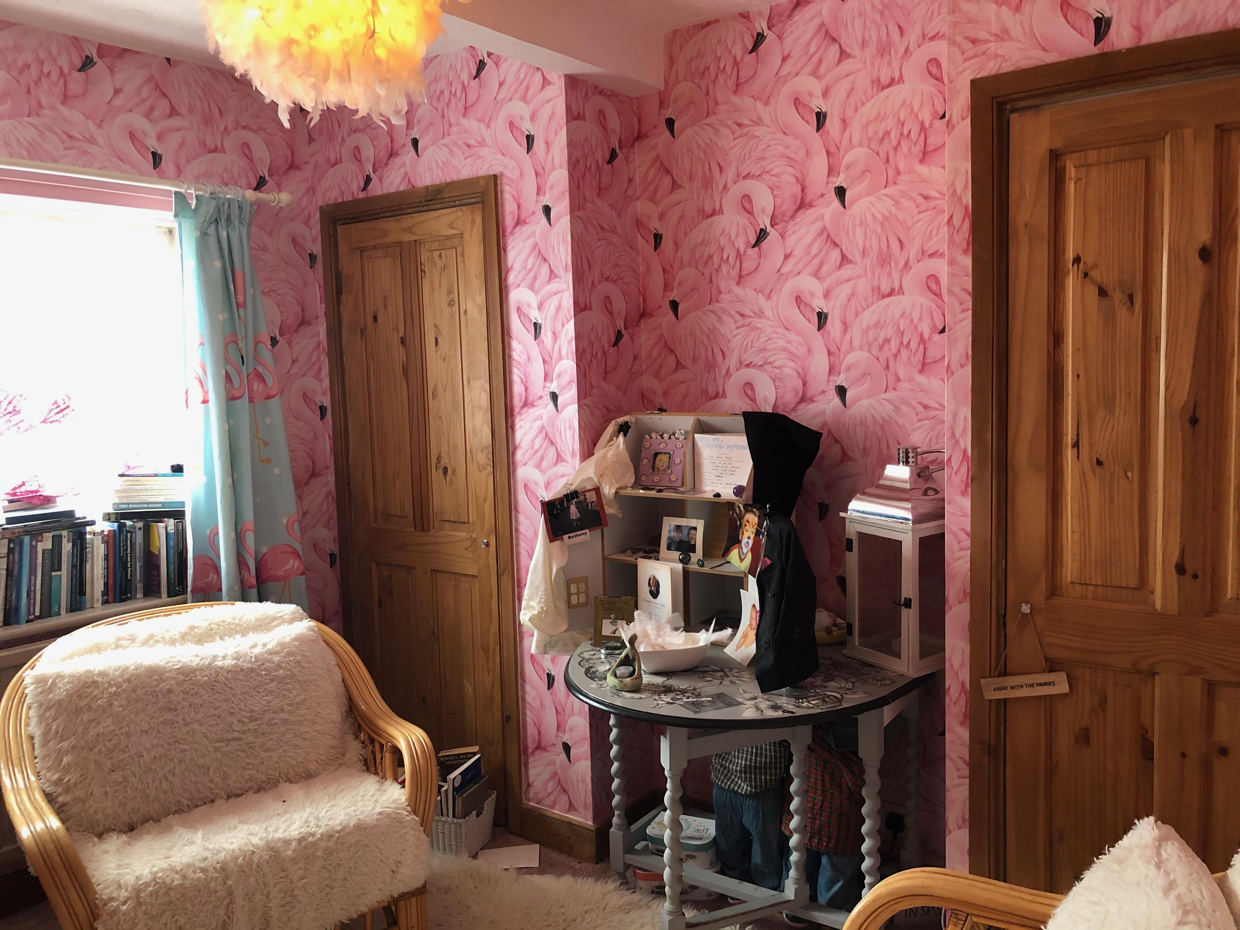 Bedroom 2 - Flamingo theme pic A