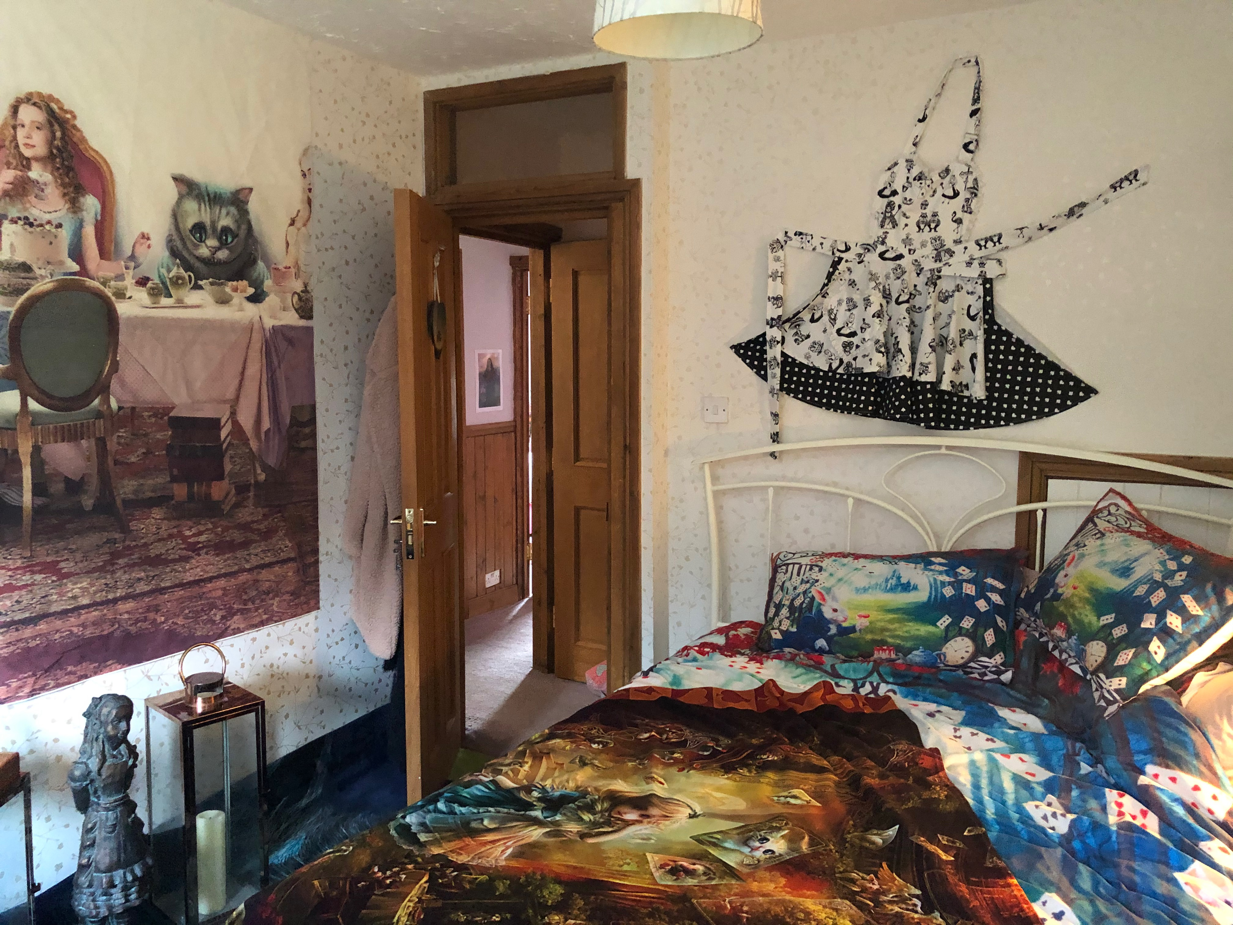 Bedroom 3 - Alice in Wonderland